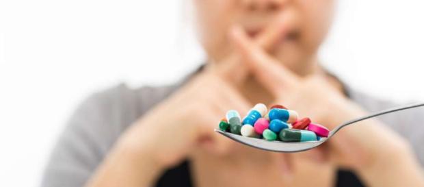 Tomar antibióticos por más tiempo no te cura mejor, sino al ... - laopinion.com