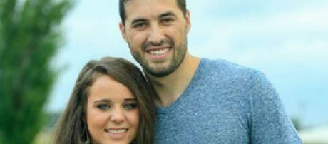 Jinger and Jeremy Vuolo post for social network post
