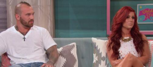 Adam Lind and Chelsea Houska appear on 'Teen Mom 2.' [Photo via MTV/YouTube]
