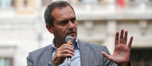"""De Magistris: """"Chi diffamerà Napoli sarà querelato"""" - La Stampa - lastampa.it"""