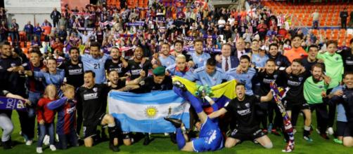 Huesca asciende a la Primera División en España - El Diario - diario.mx