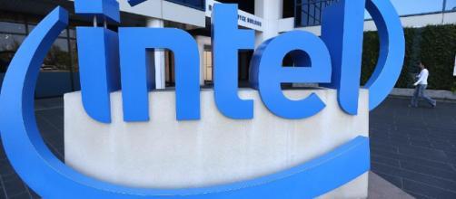 Intel está minimizando los exploits de Variant 4 descubiertos por Google y Microsoft.