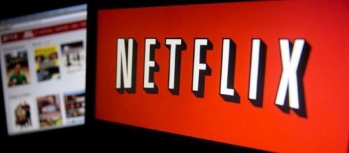 Netflix: Deleitar a los clientes.
