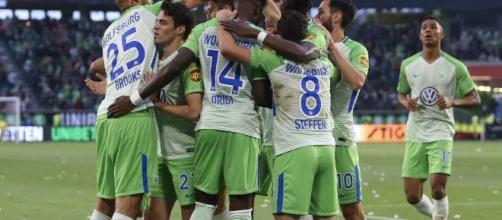 Plano Deportivo Wolfsburgo mantiene la categoría tras imponerse al ... - planoinformativo.com