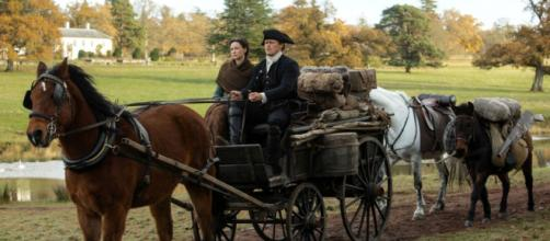 Une nouvelle photo de la saison 4 d'Outlander avec Jamie et Claire Fraser.