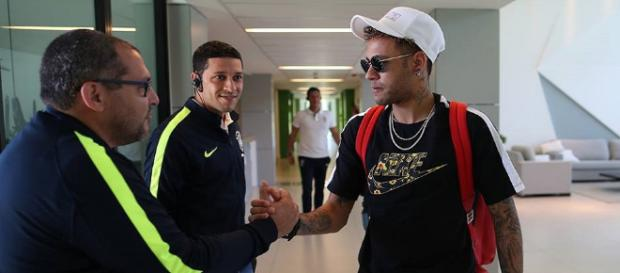 Atacante Neymar se apresenta na Granja Comary - Foto: Lucas Figueiredo / CBF