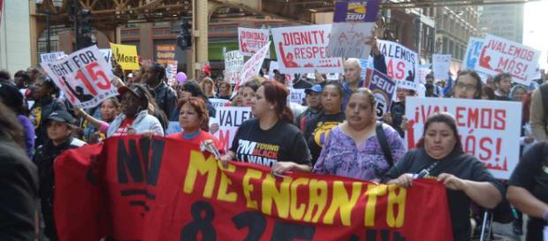 Movilizaciones masivas en Chicago en la lucha por $15 la hora   La ... - laraza.com