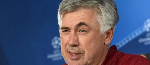 Carlo Ancelotti è il nuovo allenatore del Napoli: i particolari della trattativa