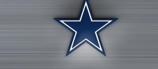 Dallas Cowboys start looking for new tight end at OTAs [Image by sanden / Flickr]