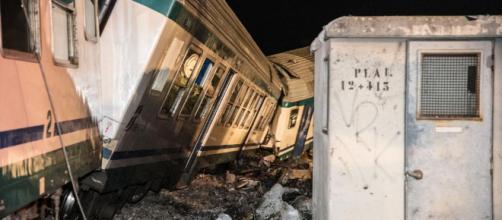 Due morti e 25 feriti nell'incidente ferroviario tra un Tir e un ... - lastampa.it
