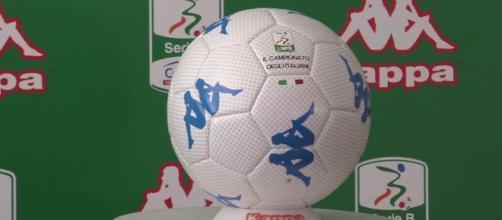 Kombat Ball, il pallone ufficiale della Lega B prodotto da Kappa