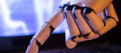 Las plataformas de chatbot con inteligencia artificial (AI) están tomando al mundo por sorpresa .