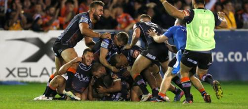 Luke Gale's drop goal was the difference between the two sides in last year's Super League semi-final. Image Source - mirror.co.uk