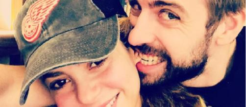 Shakira y Gerard Piqué posan juntos y divertidos para sus redes sociales. (Foto: Instagram)
