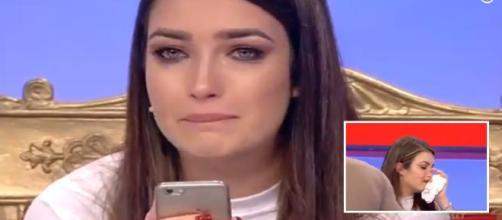 Uomini e Donne', Nilufar vittima dei hater su Fb: tronista in lacrime - internapoli.it