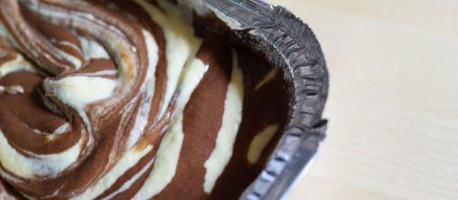 Vanilla and Chocolate Marble Cake via Flickr