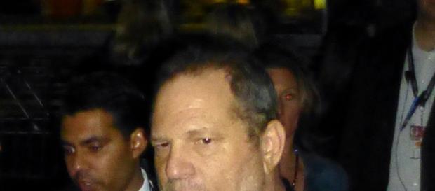 Harvey Weinstein turns himself into police custody [Image via GabboT]