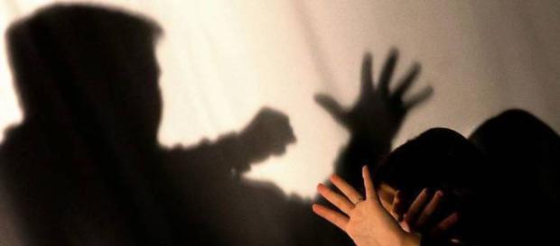 India, 16enne strangolata e fatta a pezzi dal capo: aveva chiesto lo stipendio