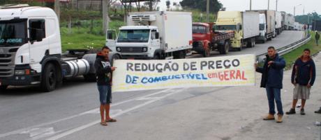 O motivo da greve é a redução do preço do diesel.
