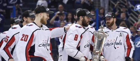Ovechkin por fin pudo ganar un título individual. NHL.com.