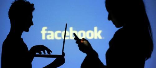 Facebook acusado de realizar una vigilancia masiva a través de sus aplicaciones