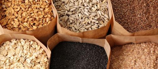 Las dietas bajas en carbohidratos basadas en granos enteros