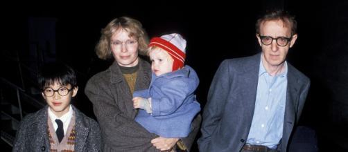 Molestie, parla Moses Farrow: 'Woody Allen è innocente'   usmagazine.com