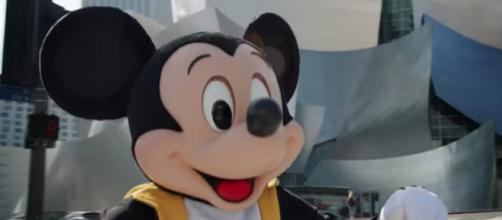 Oreo is helping Mickey Mouse celebrate his big 90th birthday in style! [Image source: Mickey Mouse - YouTube Screencap]