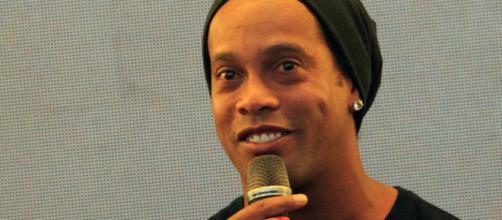 Ronaldinho diventerà marito di due donne diverse