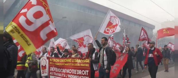 Reacciones de los afectados por la política de reformas de Macron ... - euronews.com