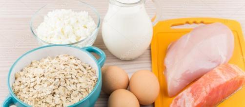 Alimentos ricos en proteínas e hidratos de carbono en la tabla ... - depositphotos.com