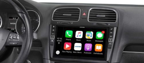 Apple e Volkswagen: alleanza per guida autonoma.