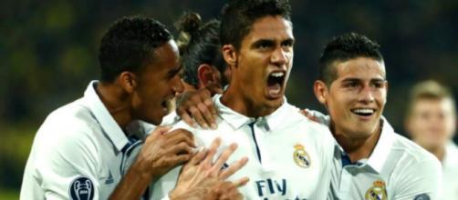 José Mourinho desea tener al jugador Raphael Varane en el verano.