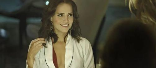 Laureta se impressiona com os valores das ofertas por Rosa em ''Segundo Sol''
