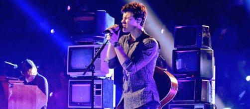 Shawn Mendes en pleno concierto. Fuente: @ShawnMendes