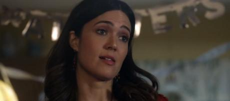 Mnay Moore plays Rebecca Pearson in 'This Is Us'. [Image Credit:This Is Us channel /YouTube]