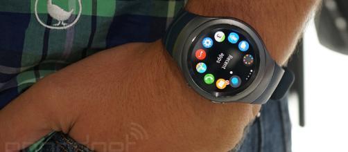 7 minutos con el Samsung Gear S2 (¡en vídeo!) - engadget.com