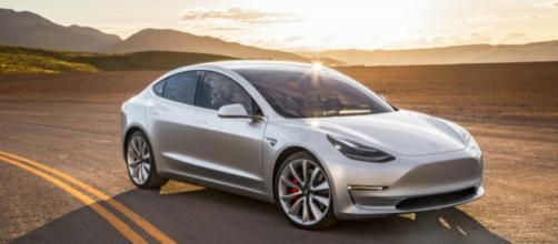 La Tesla Model 3 è stata messa in vendita negli ultimi mesi del 2017, ed è prevista in Europa per il 2018