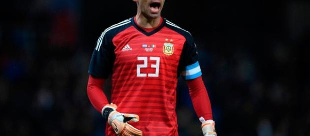 Willy Caballero será movido este verano.