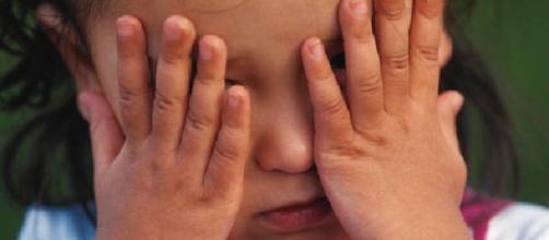Bambina 11enne abusata dal compagno della madre.