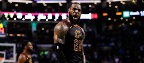 LeBron sigue cargando a los Cavs a una cuarta final consecutiva. NBA.com.