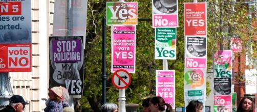 Referendum irlandese aborto, sostenitori del sì: 'Stupiti per margine vittoria'.