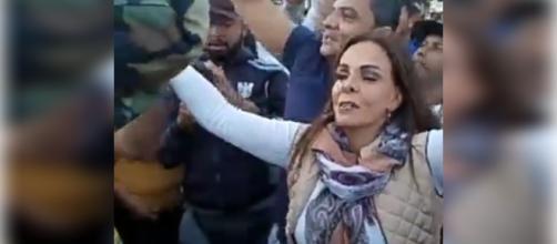 Sula Miranda se une aos caminhoneiros em greve. (foto reprodução).