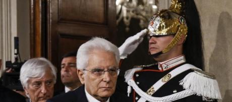 """Avanzata proposta di impeachment per il presidente Mattarella dopo il """"no"""" al ministro Savona"""
