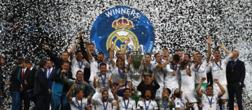 Con tradición y polémica el Madrid festejó el título