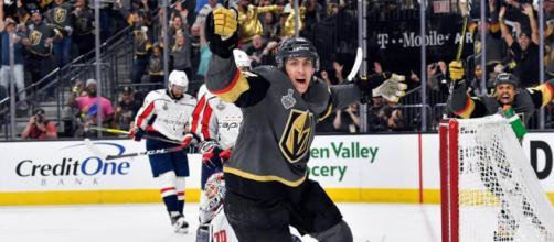 El alero de cuarta línea Tomas Nose fue el héroe inesperado del Juego 1. NHL.com.