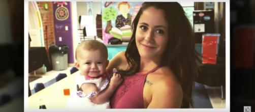 MTV reality star Jenelle Evans and baby daughter, Ensley. [Image from TA News / YouTube.]