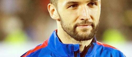 Per Milan Badelj è stata avanzata un'offerta di contratto da 2 milioni a stagione (foto via Facebook - @badeljofficial)