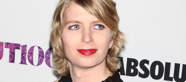 """Chelsea Manning, post su twitter """"I'm sorry"""""""