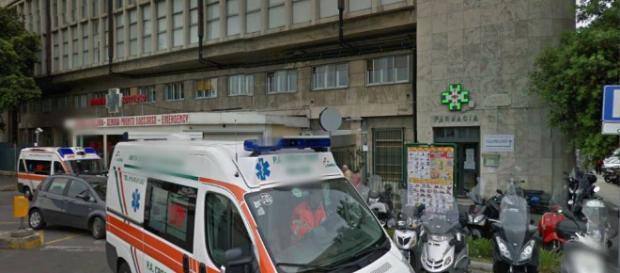 Pisa, neonato cade dalle braccia del padre
